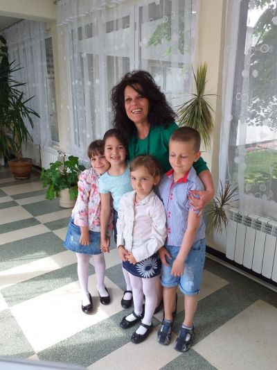 С обич към вас деца ! - ДГ Радост - Ихтиман